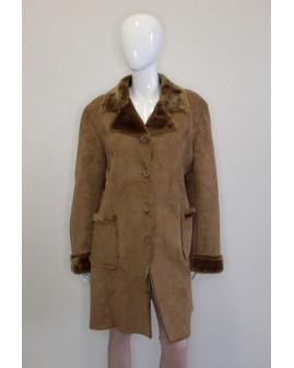 Kabát svetlohnedý s kožušinou, veľ.48