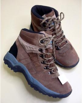 Členkové športové topánky hnedé, mierne zateplené, veľ.41