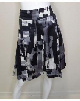 Sukňa Esprit čierno-bielo-sivá vzorovaná, veľ.42