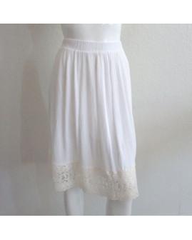 Sukňa Laura Torelli biela s čipkou, v páse guma, veľ.S
