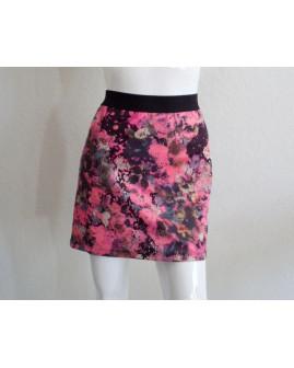 Sukňa Only ružovo-čierna kvetovaná, v páse guma, veľ.L