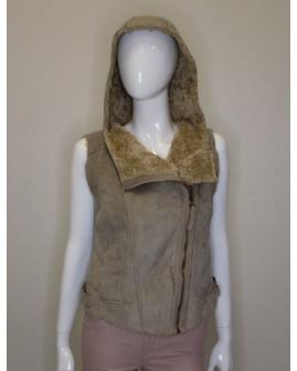 Kožušinová vesta s kapucňou hnedá, zapínanie na zips, veľ.S