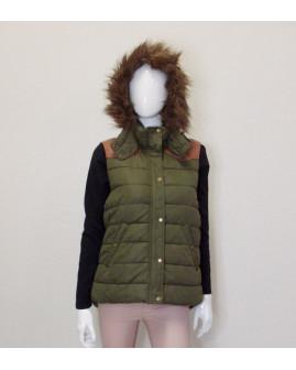 Vesta H&M zelená s kapucňou s kožušinou, na ramenách s koženkou, veľ.44